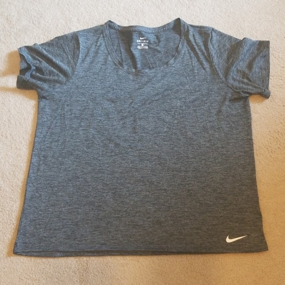Nike Tops - Nike dri-fit 1X top